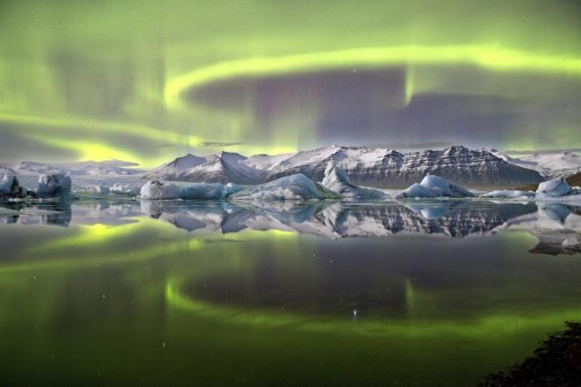 Aurora over a glacier lagoon