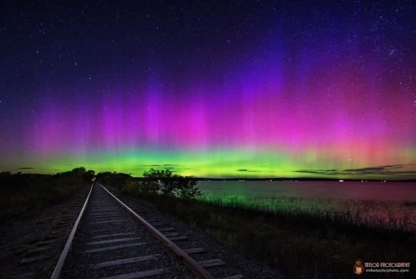 aurora-unity-pond-maine-taylor