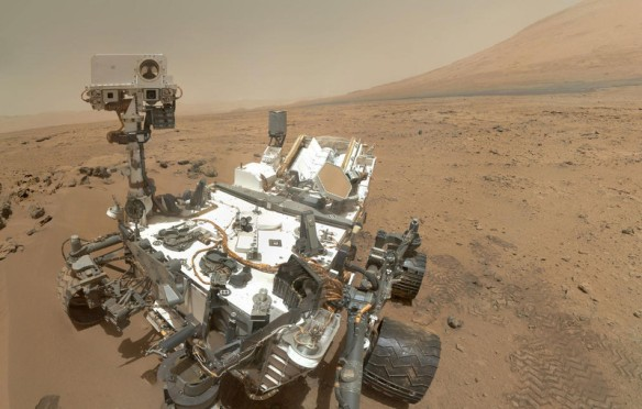 rover-curiosity-mars-self-portrait