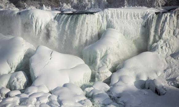 American Falls-Niagra-Ontario-2015-6F- Lindsay Dedario-Reuters