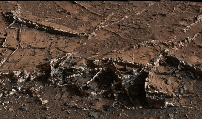 curiosity-rover-rocks-mars (2)