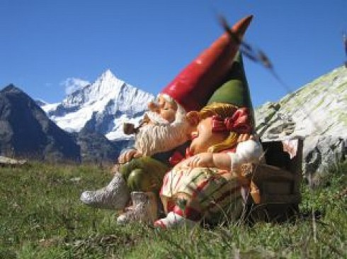 gnomes-in-swiss-panorama_2355264