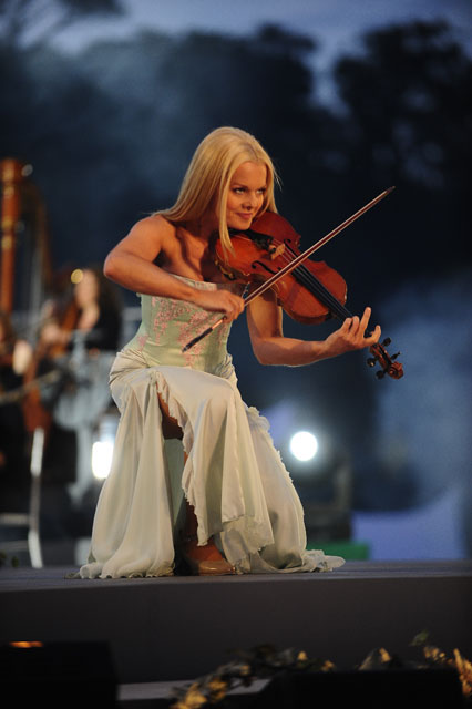 fiddler celtic woman mairead nezbitt